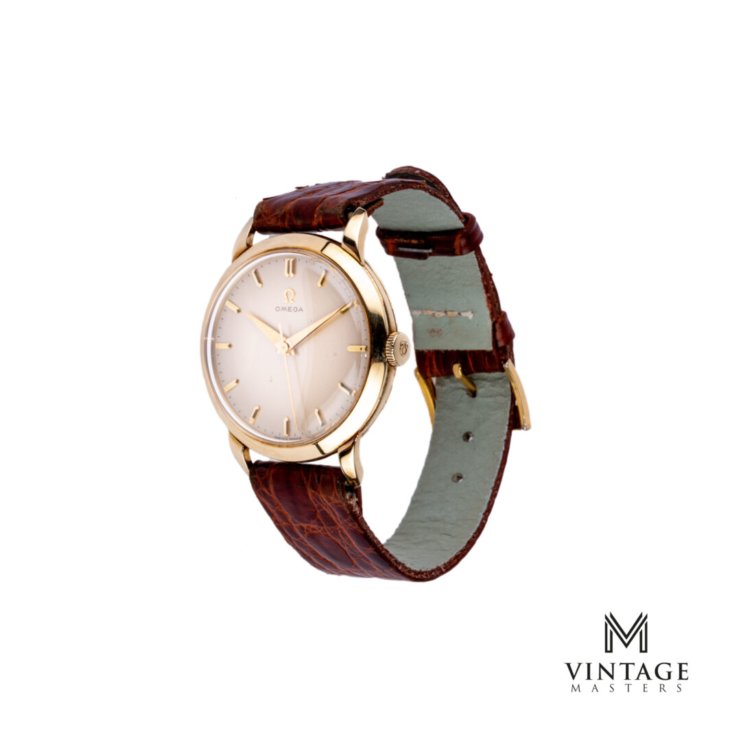 vintage Omega 2686 14K solid gold dress watch side