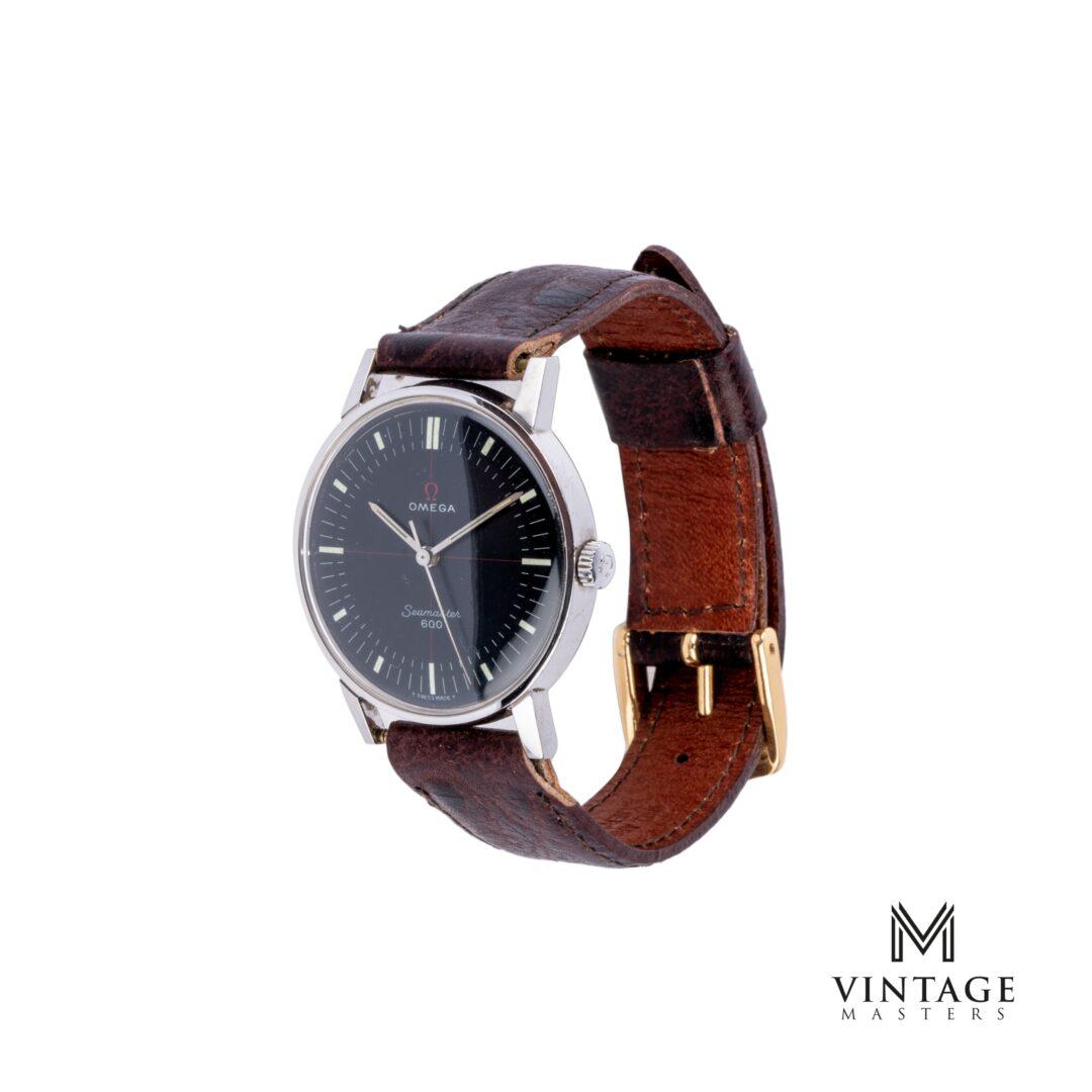 vintage Omega seamaster crosshair black technical dial 135011 side