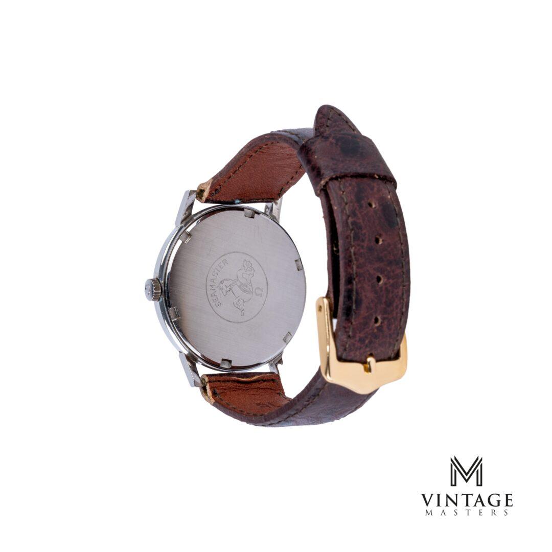 vintage Omega seamaster crosshair black technical dial 135011 caseback