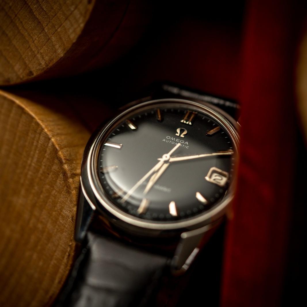 vintage omega 14701-1 SC black dial seamaster watch