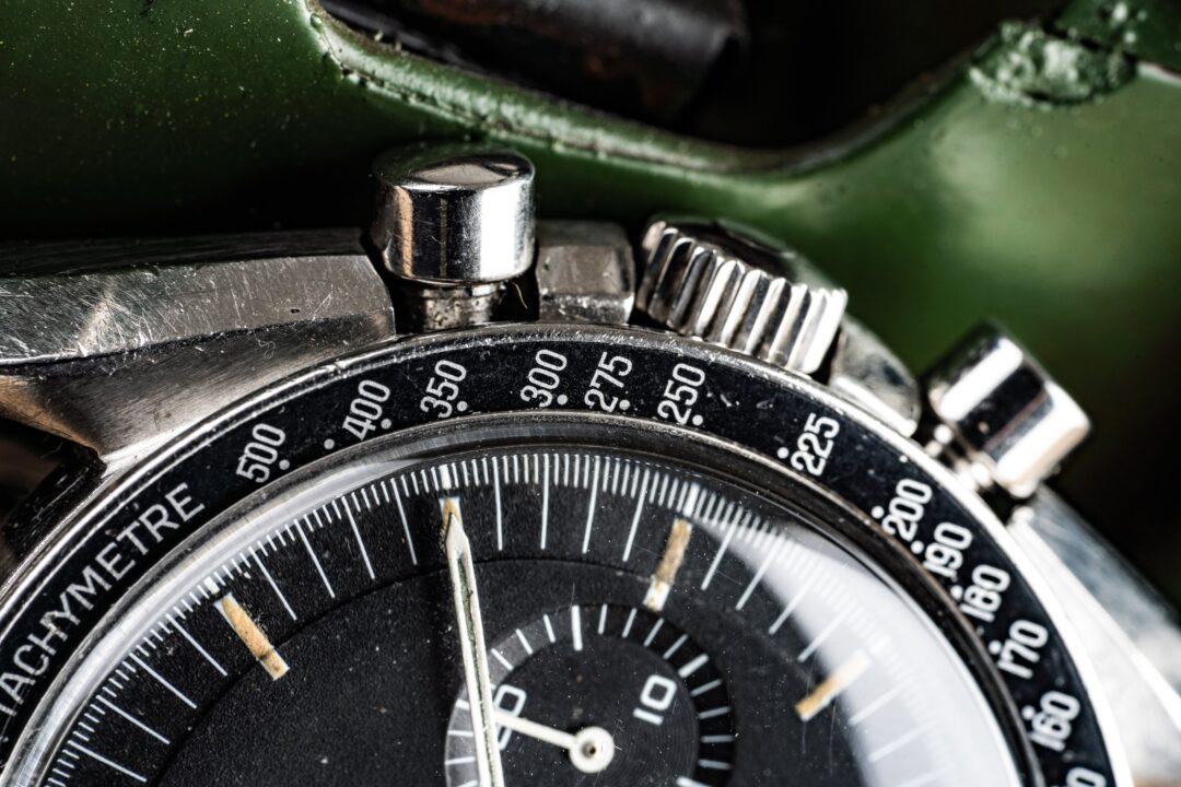 omega speedmaster 145022-69 straight writing bezel