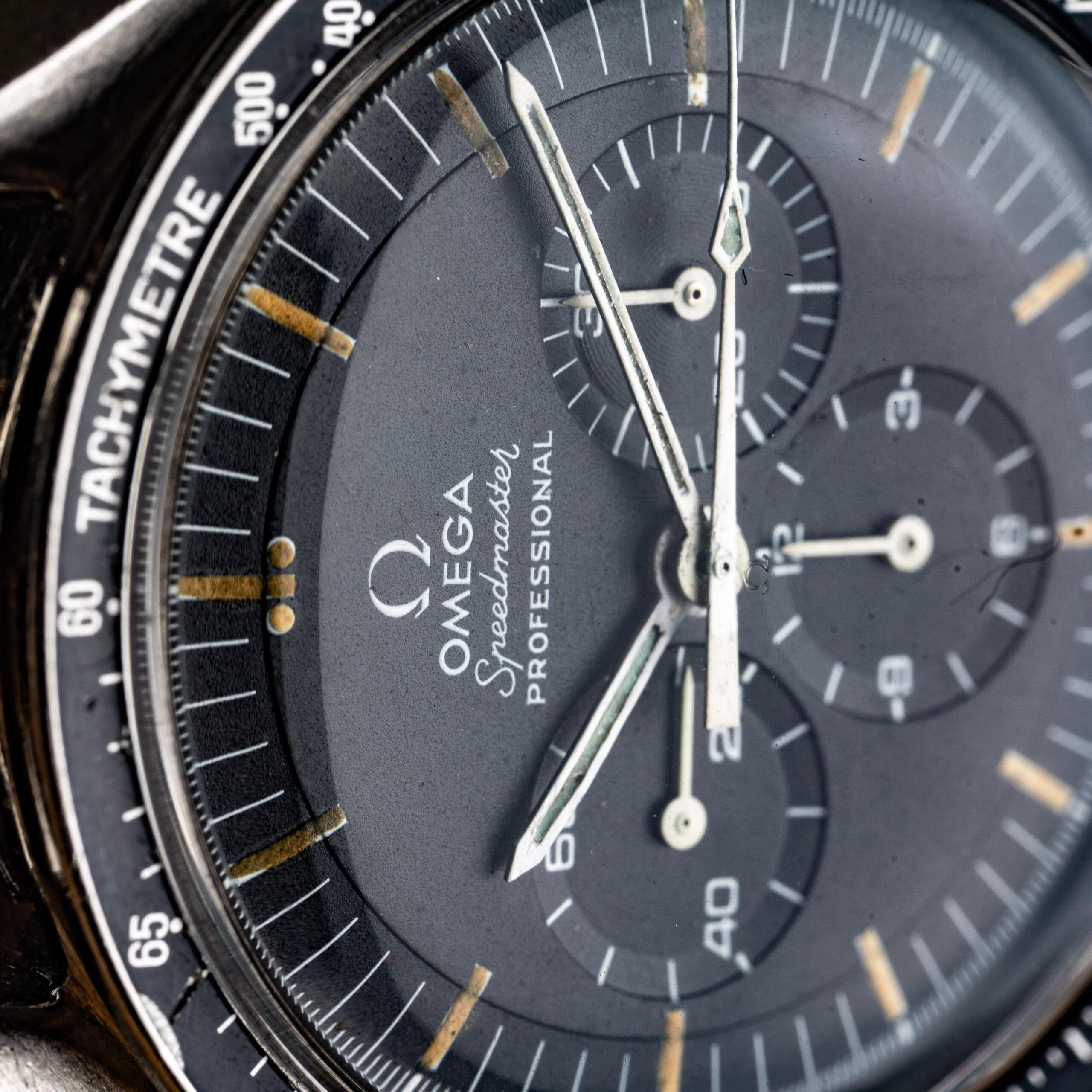 omega speedmaster 145022-69 straight writing dial