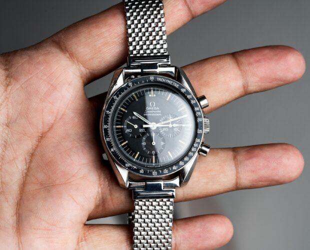 omega speedmaster 145022-69 straight writing