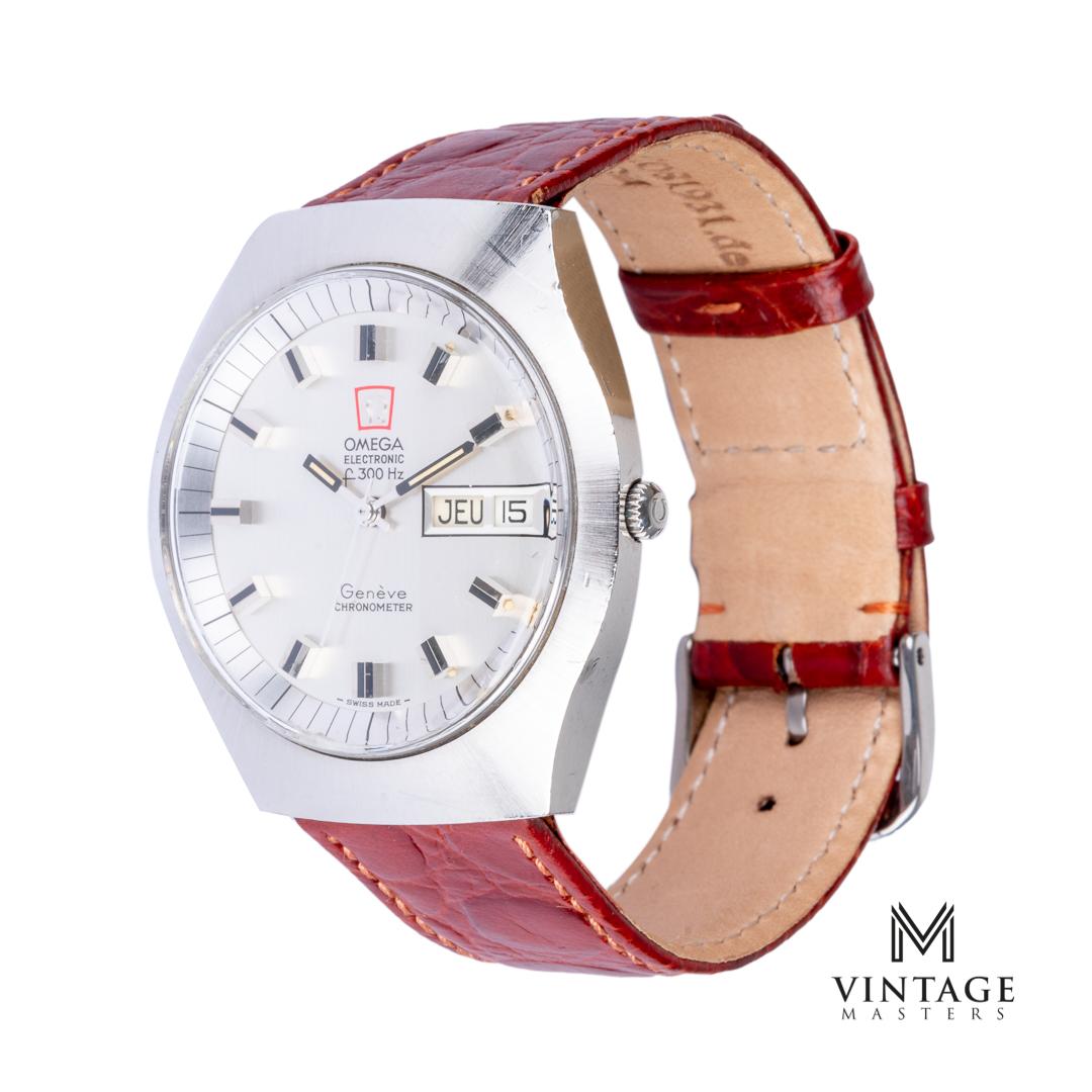 Vintage Omega 198020 Geneve f300hz chronometer watch side