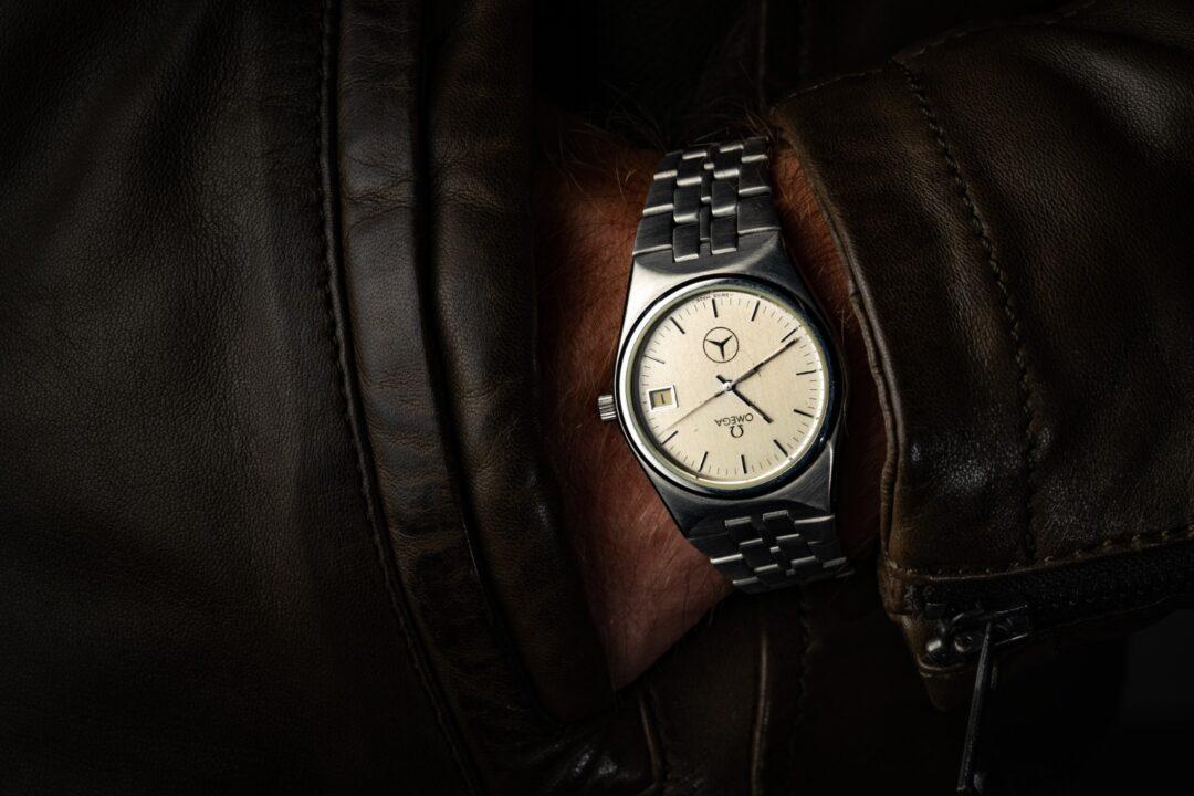 Vintage Omega Seamaster mercedes quartz 196095 cal 1342 wristshot
