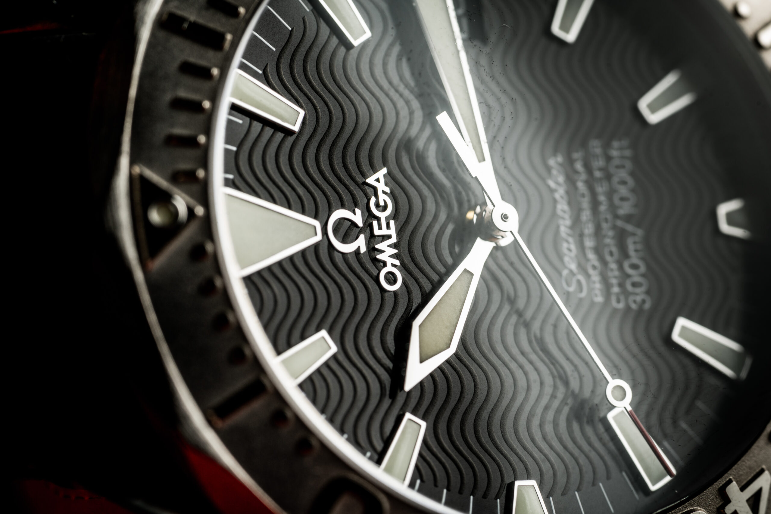 omega seamaster professional 300m 22305000 white gold bezel 2006 dial