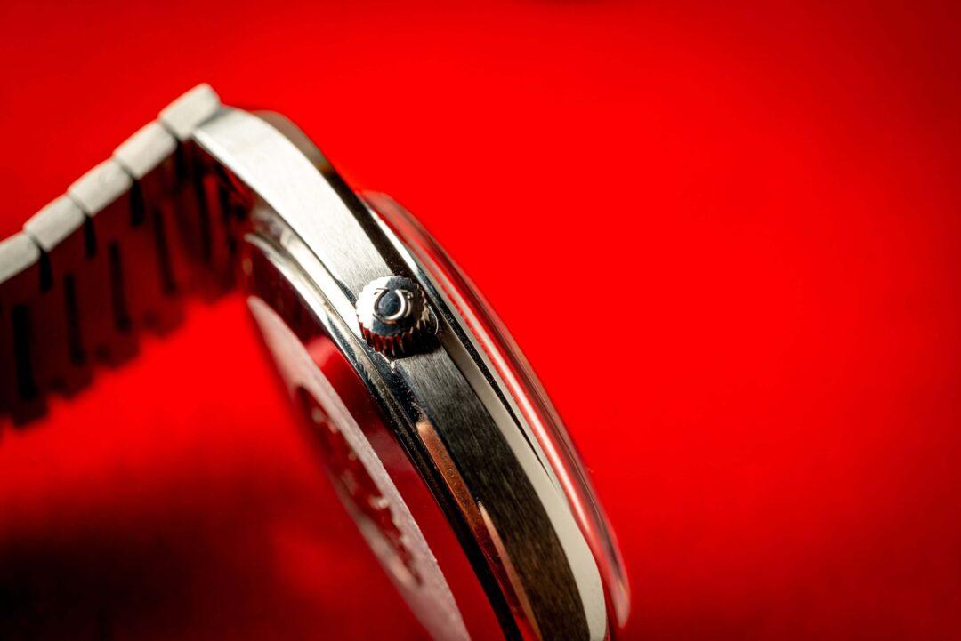 vintage Omega Seamaster 166.0216 watch crown