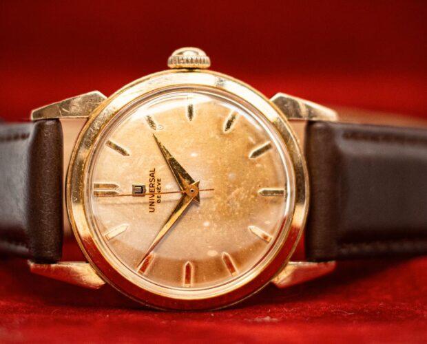 universal geneve gold watch