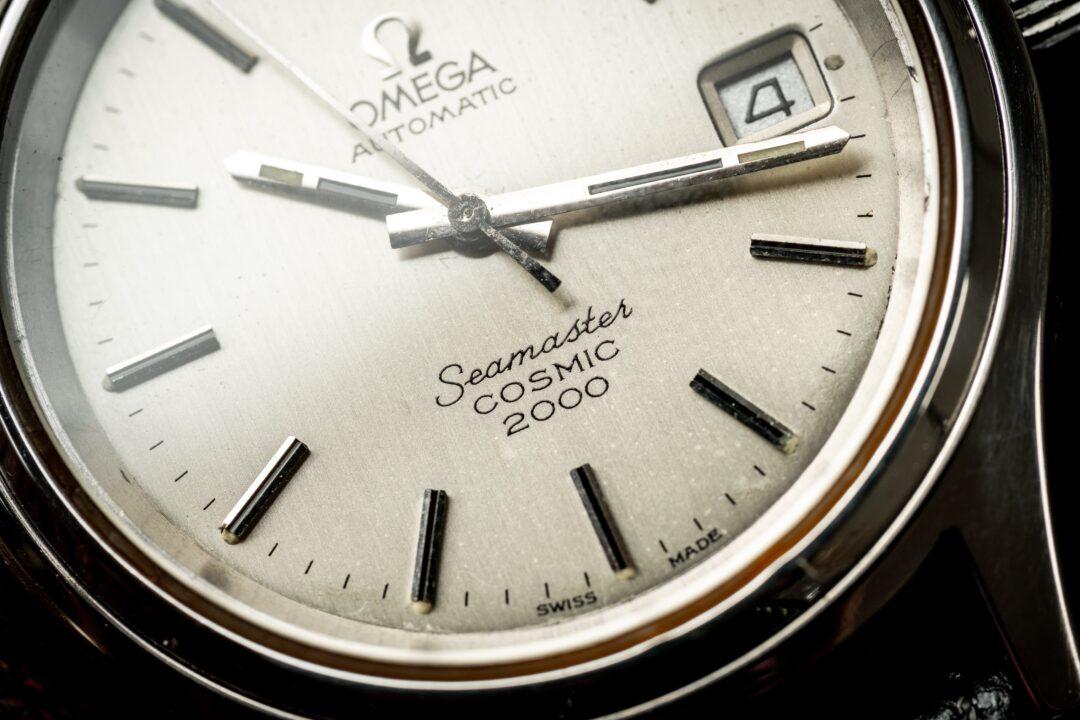 vintage omega seamaster cosmic 2000 166.0218 watch macro