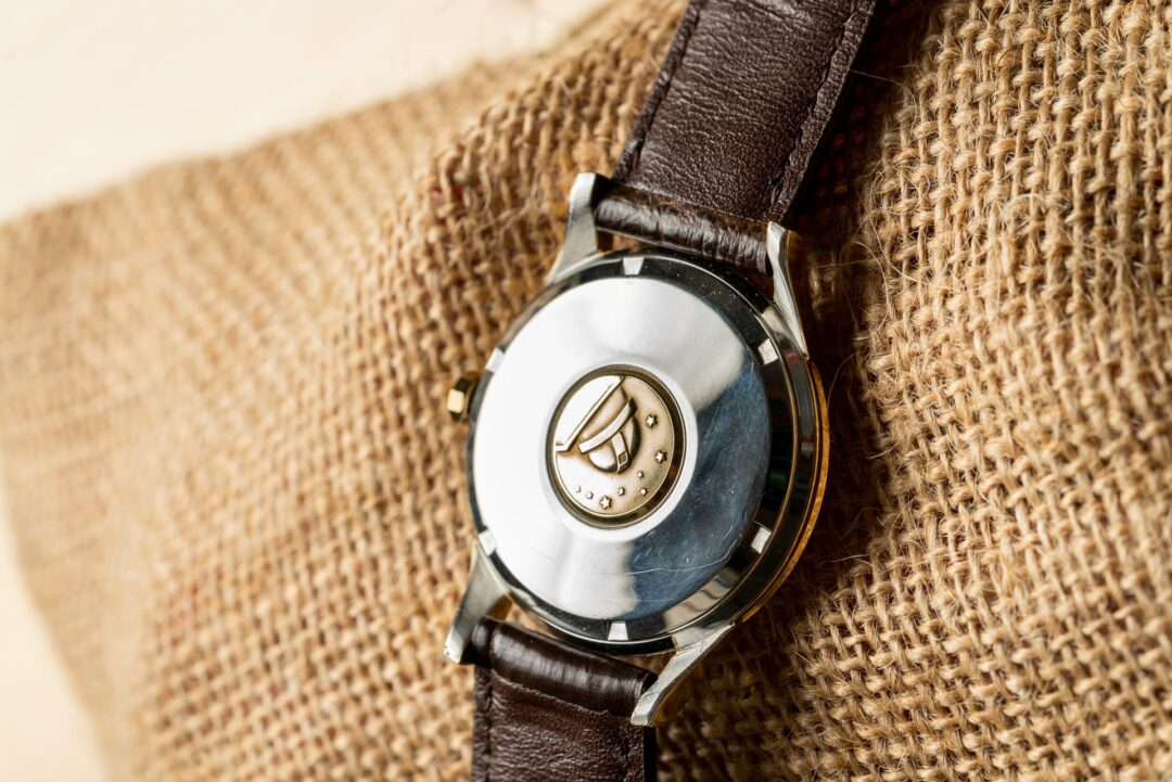 vintage Omega constellation 168001 jumbo watch gold capped caseback